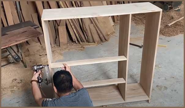 Furniture Making Business in Hindi